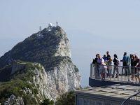 ジブラルタルのシンボル「ザ・ロック」登山