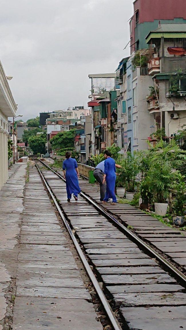 2019年夏の旅。メインはイラン滞在。<br />名古屋-香港-ハノイ<br />ハノイ-イスタンブール-タブリーズ<br />テヘラン-イスタンブール-ブカレスト<br />ブカレスト-イスタンブール-バンコク<br />バンコク-香港-名古屋<br /><br />という日程。
