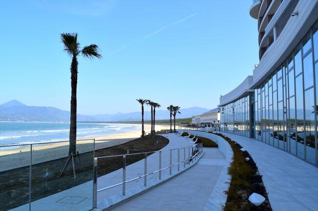 月曜日は山へ行ったので、今日は海が見たいなと唐津方面に<br />海岸沿いをドライブしました<br />途中 福ふくの里に併設している、菜の花畑を見て<br />糸島の鳴き砂の浜辺 姉子の浜、に寄り<br />2019年12月1日 新館オープンの唐津シーサイドホテル<br />というコースで過ごしてきました<br /><br />この時期ですので、とにかく 閑散地にマイカーでの移動と<br />意識してしまいます