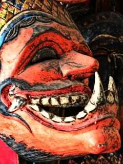 Indonesia ワヤン(影絵芝居)をもとめて 中部ジャワの旅(9) ソロの骨董街