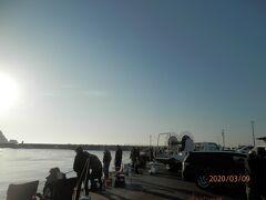 豊浜1と2と3暮れからイワシがまだまだ釣れてる豊浜漁港