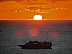 ハワイの休日・いろいろな人と再会出来た16日間 ワイキキ周辺で見た、1月の「夕日&夕焼け」。(2020)