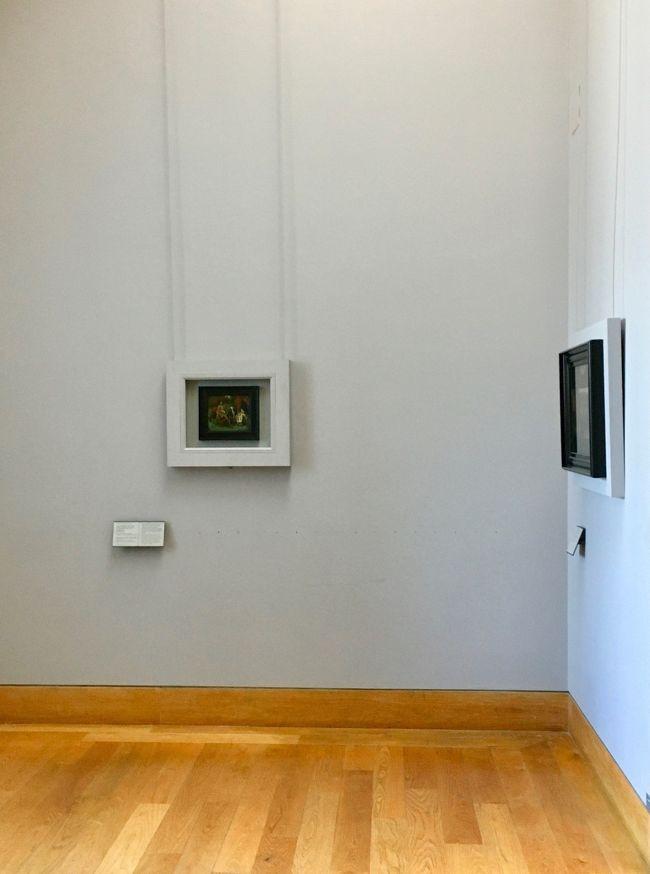 2005年から2018年までブリューゲル(父)の油彩作品を見に行く旅行をかさねて来ました。<br /><br />「ブリューゲルをたずねる旅」というタイトルで旅行記を32編アップしています。<br /><br />世界各地の美術館への旅行を振り返ると懐かい思い出が沢山あります。<br /><br />「総集編」としてブリューゲル(父)の油彩作品を制作年順に並べた旅行記をまとめました。<br /><br />取り上げる油彩画は関連を含めて45枚としました。<br />作品の真贋についてはいくつかのご意見があります。<br />41枚だよというご意見もあります。<br />ここではブリューゲル(父)のものではないとされるものも含めて45枚としました。<br /><br />ブリューゲル(父)の作品として展示されている作品にも「素人の個人的見解」として疑問と感想を書いています。<br />500年ほど前のことです。今では判別しないところも多いです。<br />ご専門の方には「素人の個人的見解」としてご笑覧頂ければと思っております<br /><br />あまり長いと読みづらい、書きづらいので4つに分けました。<br />第1部はその内の9作品です。<br />ーーーーーーーーー<br />表紙の写真はパリのルーブル美術館にある作品です。<br />The Cripples<br />Oil on Panel 18x21cm  1568<br />「いざり」<br /><br />ルーブルの「ダヴィンチのモナリザの前の大混雑」とは対照的な静かな展示空間です。<br /><br />この作品は2015年に来日しています。<br />六本木の新国立美術館で開催された「ルーブル美術館展」で日本初公開のフェルメールの「天文学者」が人気で、作品の前は大混雑でした。この作品はその時も片隅でひっそりと展示されていました。