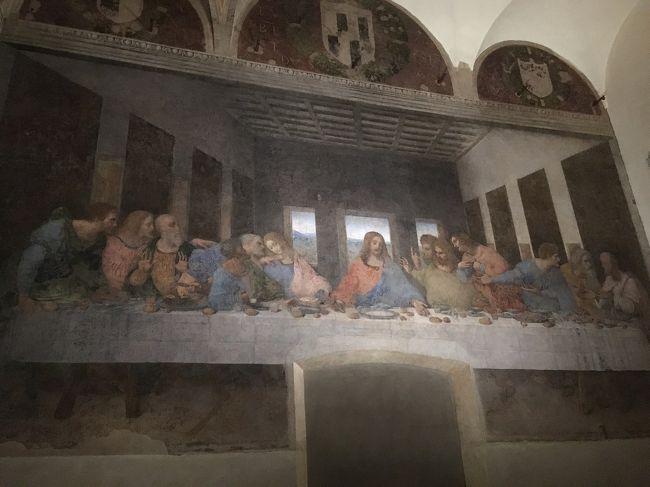 「コロナウイルスに負けるな!イタリア」の応援の気持ちを込めて、昨年7月の旅行記を記します。<br /><br />いつか行ってみたかったイタリアへ母と二人でパッケージツアーに参加しました。<br />母の希望はカプリ島の青の洞窟とベネチア、私の希望はミラノで最後の晩餐の鑑賞とJGPの恩恵を受けるべくワンワールド航空会社利用です。これらすべての希望を満たすツアーは無かったので、日本旅行社のフィンエアーを利用する「素敵なイタリア」ツアーを現地発着にしてフィンエアーの航空券を別買い、本隊より1日前にローマ入りしてベルトラで手配したローマ発着カプリ島日帰りツアーを加えました。<br /><br />【旅程】<br />7/11(木)成田発フィンエアーにてヘルシンキ乗り換えローマ ローマ泊←ココ<br />7/12(金)ベルトラ社扱い「みゅう」カプリ島青の洞窟1日ツアー参加 ローマ泊 (夜にツアー本隊と合流)<br />7/13(土)ローマ市内観光 コロッセオ・バチカン・最後の審判・夕食はカンツォーネディナー ローマ泊 <br />7/14(日)AMバス移動 PMフィレンツェ観光 フィレンツェ泊<br />7/15(月)AMピサの斜塔 PMフィレンツェ市内自由散策 フィレンツェ泊<br />7/16(火)AMベネチアへバス移動 PMガラス工房見学・ゴンドラ乗船後自由散策 ベネチア泊<br />7/17(水)AMミラノへ移動 最後の晩餐・ドゥオーモ見学後自由散策 ミラノ泊 ←ココ<br />7/18(木)ツアーと一緒にフィンエアーで帰国 機内泊 ←ココ<br />7/19(金)AM成田着