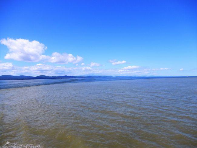 横浜乗船「アリューシャンとベーリング海を航く アラスカ大氷河クルーズ22日間」のポストクルーズ旅行で、シアトル下船後フェリーでビクトリアに渡った後、ビクトリアからバンクーバに移動する旅。<br />中でも、ジョージア海峡をフェリーで航行中、海面の色が2色に分離していたのは驚いた。しかし、上手く撮影出来なかった。