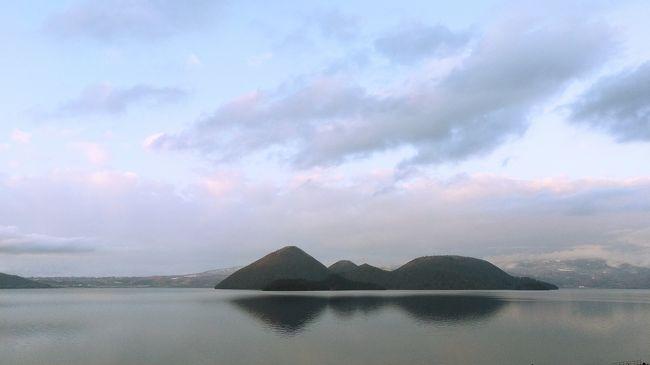 洞爺湖には過去何度も訪れていますが、今回は連泊なので<br />ホテルで温泉や食事も存分に楽しむことが出来、<br />いい気分転換になりました。<br /><br />(ホテル編としたので料理の写真が多くなってしまいました)