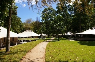 10回目のアマン旅行を迎えました!国立自然保護区内にあるアマンワナで大自然に囲まれ心身ともにリフレッシュ。アマヌサ(現Aman Vilas at Nusa Dua)でのバリ島後泊が絶妙なアクセントに。JALファーストクラスも満喫しました。<br />私(エゾグマ)と妻(ラッコちゃん)は、たまの休みだから、旅行では贅沢したい!と考えています。旅行はツアーは使わず、個人で手配します。飛行機はビジネスクラス以上、ホテルも直接予約し、部屋のリクエスト等も細かく伝えています。