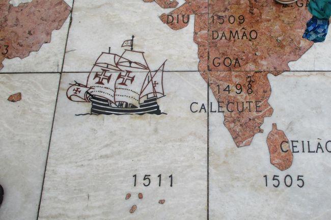 エボラから移動して、リスボンにやって来ました。<br /><br />リスボンの街はオデュッセウス(ギリシア神話の英雄)によって建設されたという伝説があるそうです。<br />Estrimnios (エストリムニオスが、ポルトガルの先住民であると言われています。<br />そして後にローマ人によってOestrimni(「極西の人々」のラテン語)と呼ばれ、青銅器時代後期(BC1100~700年)に領土を現在のGalicia(ガリシア)からAlgarve(アルガルヴェ)まで広げました。これらの先住民族のコミュニティはリスボンのテージョ川沿岸河口のこの地を交易の要として支配していました。<br /><br />リスボンの地名の由来は、地理学者のPomponius Mela(ポンポニウス・メラ)(ヒスパニア出身)がラテン語でUlyssippo(ウリシッポ)と記しています。それが→Olissipo「オリシッポ」と呼ばれ、ギリシャ人によってオリシポ、オリシポナと呼ばれていったようです。<br />最近の考古学的な見解では、古代の名前オリッシポが示すように、リスボンはCastelo de S. Jorge(サン・ジョルジェ城)の丘の上にあるローマ時代以前の集落の周りで形成されていったとが示されているようです。<br />1755年のリスボン大地震の後に、BC63年~AD14年のローマ皇帝アウグストゥス時代の遺跡(ローマ劇場)が再発見されました。<br />この高台には足を運ぶことはありませんでしたので、ちょっと残念でした。<br />リスボンを一望できる場所でもあるだけに、この目で見ておきたかったです。<br /><br />その後の大航海時代のリスボンについては、皆さんご存知のとおりです!<br />今回はその15世紀からのリスボンを観ました。<br /><br />【旅程】<br /><br />8月2日(金)<br />羽田14時05分発→フランクフルト18時45分着<br />ルフトハンザ航空LH717便(11時間40分)<br />↓<br />フランクフルト21時00分発→バルセロナ23時00分着<br />ルフトハンザ航空LH1138便(2時間)<br /><br />8月3日(土)<br />バルセロナ市内観光<br />カサ・バトリョ→カサ・ミラ→サンパウ病院→サグラダ・ファミリア→カタルーニャ広場→カテドラル<br />↓<br />タラゴナ<br />ラス・ファレラス水道橋<br />↓<br />バレンシア<br /><br />8月4日(日)<br />バレンシア観光<br />ラ・ロンハ<br />↓<br />ラ ・マンチャ地方<br />クエンカ市内観光<br />↓<br />ラ・マンチャ地方<br />カンポ・デ・クリプターナ<br />↓<br />マドリッド<br /><br />8月5日(月)<br />マドリッド市内観光<br />プラド美術館<br />↓<br />トレド観光<br />カテドラル→サント・トメ教会<br />マドリッド<br /><br />8月5日(月)<br />マドリッド市内観光<br />プラド美術館<br />↓<br />トレド観光<br />カテドラル→サント・トメ教会<br />マドリッド<br /><br />8月6日(火)<br />コルドバ観光<br />花の小径→メスキータ<br />↓<br />グラナダ<br />アルハンブラ宮殿<br /><br />8月7日(水)<br />グラナダ市内観光<br />カテドラル<br />↓<br />ミハス<br />↓<br />セビリア<br />フラメンコショー鑑賞<br /><br />8月8日(木)<br />セビリア市内観光<br />スペイン広場→カテドラル→ムリーリョ公園→アルカサル→カテドラル→ヒラルダの塔→黄金の塔<br />↓<br />エヴォラ歴史地区観光<br />ディアナ神殿→ロイオス教会→カテドラル→サン・フランシスコ教会<br />↓<br />リスボン●<br /><br />8月9日(金)<br />ロカ岬●<br />↓<br />ジェロニモス修道院→ベレンの塔→発見のモニュメント●<br />↓<br />シントラ観光<br />シントラ王宮<br />↓<br />リスボン●<br /><br />フランクフルト18時10分発→●<br /><br />8月11日(日)<br />羽田12時15分着●<br />ルフトハンザ航空LH716便(11時間05分)<br />