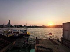 タイ・バンコク2020・・・(3)ワット・ポーでマッサージ 暮れなずむ「暁の寺」を眺めながら夕食も