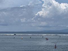 今のサヌールビーチ