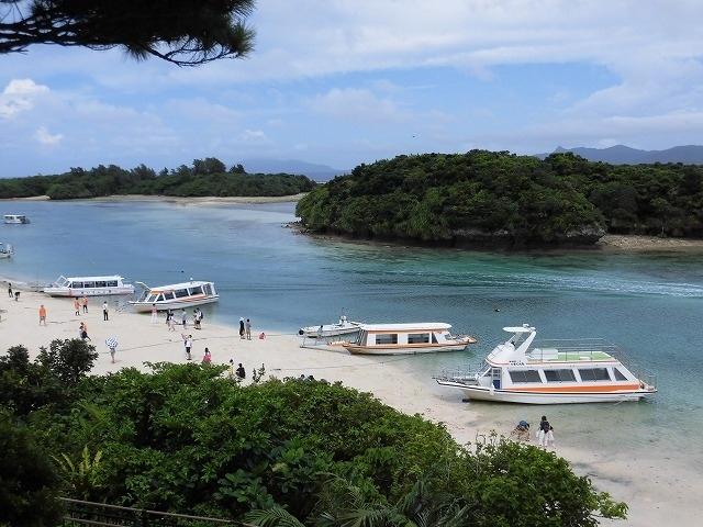 我が家の遅めの夏休み。<br />8/30~9/2の3泊4日で石垣島へ行ってきました!<br /><br />一度、訪れてみたかった夏の沖縄。でも、夏の沖縄は台風が心配ですよね。<br />ここ数年、沖縄が候補に挙がるものの、なかなか踏ん切りがつかなかったのですが、<br />お天気は心配しても仕方ないので行ってみることに!<br /><br />3泊4日、3日目は何度かスコールもありましたが、<br />全体的にはお天気にも恵まれ、楽しい旅行となりました。やっぱり沖縄は最高さぁ。<br />