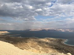 エルサレム発、死海とマサダのツアーに参加した。濃いメンツだった。