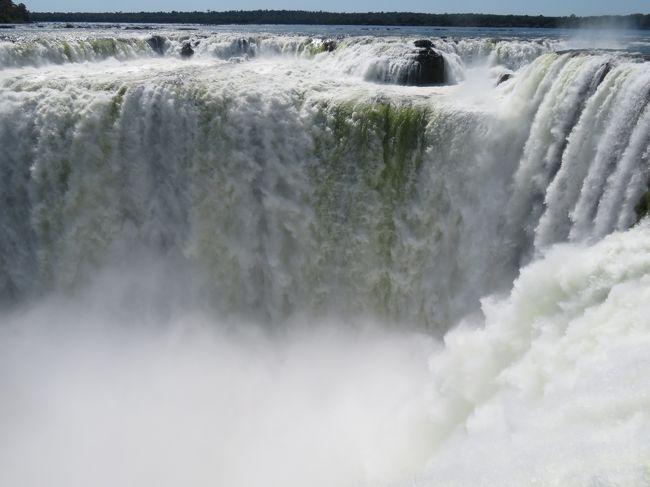 ブラジル・アルゼンチン イグアスの滝