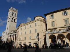 イルミネーションの季節のイタリア旅2019-20~⑩中世の街並みアッシジ街歩き(1)