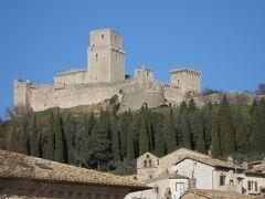 イルミネーションの季節のイタリア旅2019-20~⑪中世の街並みアッシジ街歩き(2)
