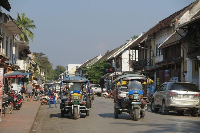ラオス・古都ルアンパバーン 寺院とナイトマーケット
