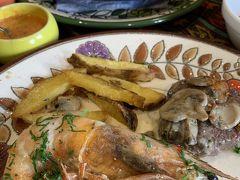 エクアドル クエンカ 最高に美味しいTiestos Café Restaurantでのランチ