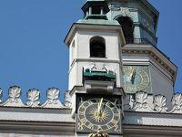 2019年夏 スロバキア・ポーランド旅行 最古の都市ポズナニ(ポーランド)3 山羊のからくり時計・ポズナニ大聖堂・マルタ湖・旧市場広場の夜景