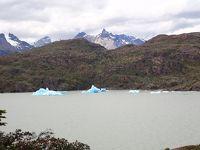 青い!青すぎる!ガリガリ君みたいな氷山(^_^;)~19、20年冬パタゴニア旅行1月2日その3グレイ湖