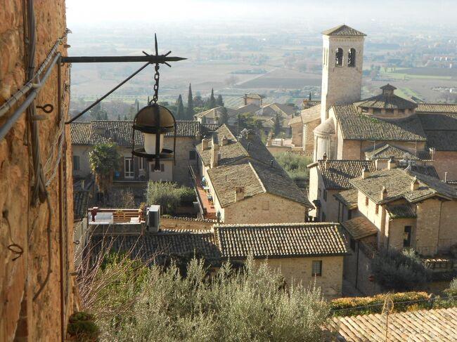 イルミネーションの季節のイタリア旅2019-20~⑮大晦日のアッシジ街歩き