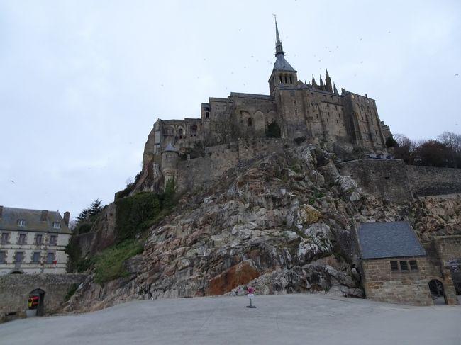 今日の見どころは、パリに並ぶモンサンミッシェルです。世界中、何で修道院が興味持たれるのでしょうか。何かヒントを見つけられるでしょうか?何でモンサンミッシェルのオムレツは有名に成ったのでしょうか?何で、潮の満ち引きが大きいのか?何でが、たくさん有ります。世界遺産の秘密を調べる旅 始まります。