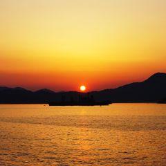 初日、松山観光後、船で瀬戸内を渡って広島へ