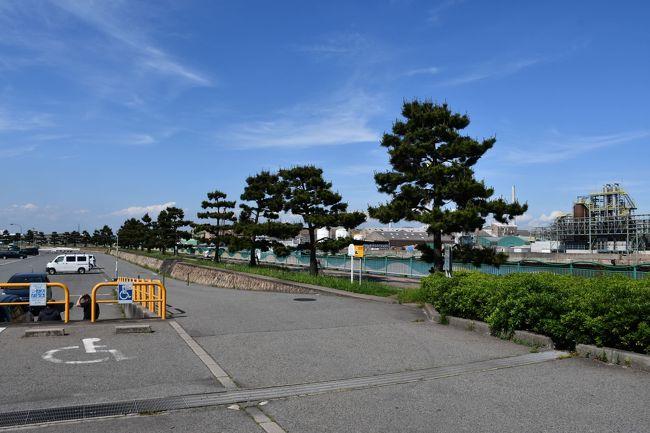 生まれ育った町、加古川市別府町。イトーヨーカ堂ができて、がらっと変わりましたが、それからでも三十年以上が経ちました。それ以前となると、神戸製鋼所造成のために埋め立てたのが半世紀前です。神戸からも潮干狩りに来る、瀬戸内でも有数の遠浅海岸でした。