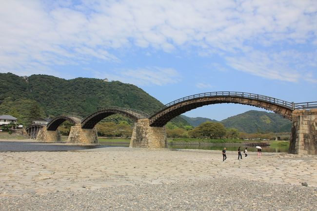山陰の小京都は、レトロでクラシックな雰囲気に包まれていました。<br />井仁の長閑な風景に癒されました。<br />錦帯橋の造形美に、ただ圧倒されました。<br /><br />山陰と山陽をダブルで楽しむ旅の記録です。