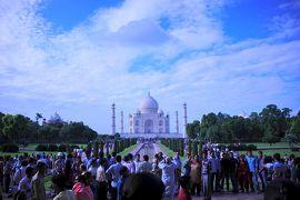 インドの独立記念日、アグラはインド人観光客でいっぱい