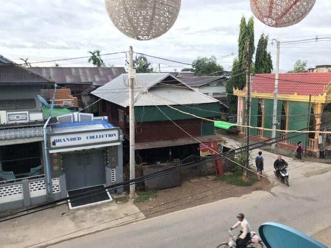 2018年のGW、一般観光客に開放されて時間もそう経っていないミャンマー南部観光と、<br />ここ数年で新たに開いたミャンマー‐タイの陸路国境越えを果たすべく、以下ルートを巡りました。<br />チケットの手配が直前になったため、直行便ではなく、韓国‐タイ経由となりました。<br />今となっては、この手の旅行も難しくなり、懐かしい気持ちです。<br />自身のための忘備録です。<br /><br />2018年<br />4月28日(土)<br />日本/成田‐韓国/プサン‐タイ/バンコク(スワンナプーム)<br /><br />4月29日(日)<br />タイ/バンコク(ドンムアン)‐ミャンマー/ヤンゴン<br /><br />4月30日(月)<br />ヤンゴン‐チャイティーヨー/チャイットー‐モーラミャイン<br /><br />5月1日(火)<br />※④はこの日の夜から<br />モーラミャイン‐ウィンセントーヤ観光‐ダウェイ<br /><br />5月2日(水)<br />ダウェイ観光<br /><br />5月3日(木)<br />ダウェイ‐ティーキー(陸路国境越え)‐タイ/プーナムロン‐カンチャナブリ-バンコク <br /><br />5月4日(金)<br />バンコク観光<br /><br />5月5日(土)<br />バンコク観光<br /><br />5月6日(日)<br />タイ/バンコク(スワンナプーム)‐韓国/プサン‐日本/成田<br /><br />そして、<br />なぜか第1日目~3日目(4/28-30)の写真が消失してしまったので、②第4日目(5/1)からのスタートとなります。<br />①第1日目~3日目(4/28-30)が発見されたら追記したい・・・<br />
