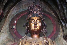 2019秋、中国旅行記25(14/34):11月19日(2):洛陽(2):白馬寺(2):天王殿、線香立、大仏殿、大雄殿、東屋