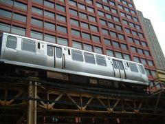 頭上を電車が走り回るシカゴ