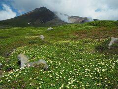 神々の遊ぶ庭へ 旭岳登山旅行 その3旭岳、間宮岳、裾合平周回コース後編