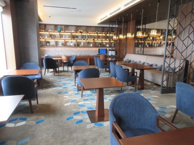 コロナ禍で空くハンマーヘッド。横浜ベイシェラトンは、ボリューム満点フードのラウンジと朝食!