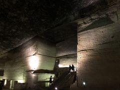 ひんやり、ワクワクな巨大空間、大谷石資料館へ。