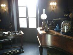 パリ郊外モンフォール-定員5名のM.ラヴェルの家へは駅からスニーカーに履き替えて1時間の歩き