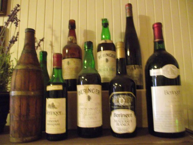 サンフランシスコ近郊は、葡萄酒醸造が盛んです。中でも、ナパ峡谷は有名です。サンフランシスコ市内から、葡萄園を巡る日帰り旅行に行ってきました。葡萄酒の試飲もありました。但し、オーパスワンのような超一流の所には行きません。