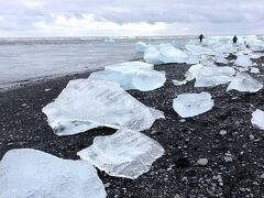 【アイスランド③】氷河湖ボートツアーと氷が煌めくダイヤモンドビーチ