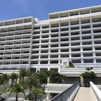 沖縄③空港からバスで美ら海エリアへ♪2019年4月開業の『アラマハイナコンドホテル』宿泊記(1)最上階インフィニティフロアのお部屋からの眺望