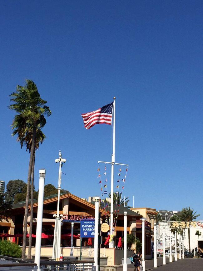20181109 (金)<br /><br />ロング ビーチ (Long Beach)<br />アメリカ合衆国カリフォルニア州南部の港湾都市、サンペドロ湾に望む都市。<br /><br /><br />ショアライン ビレッジ (Shoreline Village)<br />カリフォルニア州ロング ビーチのショッピングモール。<br /><br /><br />レドンド ビーチ (Redondo Beach)<br />地元民に愛されるビーチで、庶民的でのどかな雰囲気、海外からの観光客が少なくて、ゆっくりできる場所。