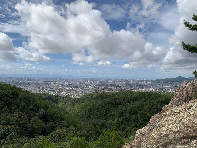 コロナの影響でどっこも行けないので、近くの中山連山へ。<br />阪急山本の北側から入山しました。