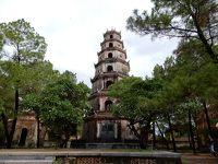2019年の夏休みはとりあえずベトナムでも/フエの旧市街を観光バスツアーで巡りました/ティエンムー寺とドンバ市場