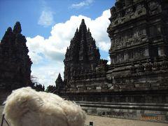 初めてのジョクジャカルタ (ベトナム・カンボジア・マレーシア・シンガポール・インドネシア 16日間の旅 その11-3) おぉ、プランバナン!