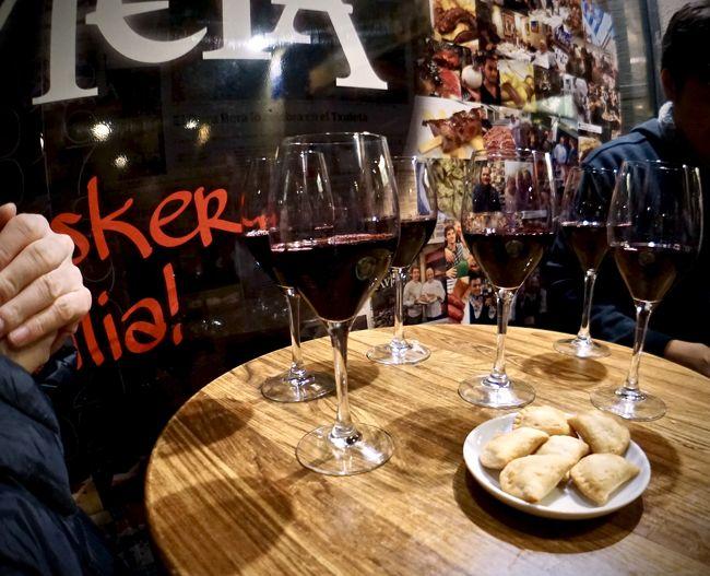 美食の街:バスク地方を巡るBARで「ほろ酔いグルメツアー」(夜のピンチョス巡りをサクッリと.../サンセバスチャン/31年ぶりのスペイン)