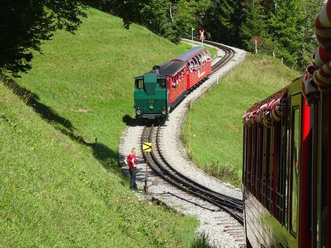ヨーロッパ未踏破国は残り4カ国(スイス、リヒテンシュタイン、ラトビア、リトアニア)となりました。実は敢えて残していた国、それが今回訪問するスイスです。鉄道が発達し、観光立国としても世界に知れ渡っているので比較的回り易く、年を重ねてから訪れるのも可能との判断もありその計画を温めつつ「いつかはスイス」と考えてきました。ということでヨーロッパ踏破のラストを飾るべく残していたのですが、思ったよりも早く踏破が進んだことと、冬場よりもハイキングしやすい時期を逃すのも勿体ないので、遂に行くことにしました。本来街歩きが好きな私ですが、雄大な自然の中に身を置いて山歩きをし、好きな鉄道に乗って車窓からの眺めを堪能するなど、予想を遥かに上回る素晴らしい旅行となりました。<br /><br />日程は以下の通りです。<br /><br />1日目(9/12)羽田 ⇒ 北京 <br />2日目(9/13)北京 ⇒ ワルシャワ ⇒ ジュネーブ市内観光、ベルン移動<br />3日目(9/14)ベルン市内観光、登山鉄道乗車、グリンデルワルト移動<br />4日目(9/15)ユングフラウヨッホ観光、ハイキング<br />5日目(9/16)ハイキング、ツェルマット移動<br />6日目(9/17)ゴルナーグラート観光、ハイキング、※MHGP観光<br />7日目(9/18)ハイキング、氷河急行ライン、サンモリッツ移動<br />8日目(9/19)ベルニナ線乗車、ハイキング、沿線観光<br />9日目(9/20)リヒテンシュタイン観光、チューリッヒ移動<br />10日目(9/21)チューリッヒ市内観光、チューリッヒ ⇒ フランクフルト ⇒ 北京<br />11日目(9/22)北京散策、北京 ⇒ 羽田<br />   ※ MHGP=マッターホルングレッシャーパラダイス<br /><br />今回は3日目⑦です。<br />