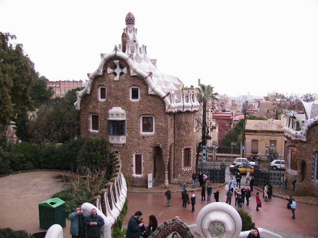 スペイン2006 正月家族旅行<br /><br />マドリードから始まりトレド、ラ・マンチャ、コルドバ、セビリア、ミハス、<br />グラナダ、バルセロナと巡りました。<br /><br />正月家族旅行シリーズ<br />2001年フランス モンサンミッショル・サンマロ・オンフール等<br />2002年ドイツ ハイデルベルク・ローデンブルク等<br />2003年イタリア バチカン・アルベルベッロ・ポンペイ等<br />2004年フランス ニース・モナコ・モズ等<br />2005年イギリス コッツウォールズ地方<br />2006年スペイン グラナダ・バルセロナ等<br />2007年オーストリア ウイーン・ザルツブルク等<br />2008年イタリア ミラノ・ヴェローナ・ベネチア・フィレンチェ・ピサ・ローマ・バチカン