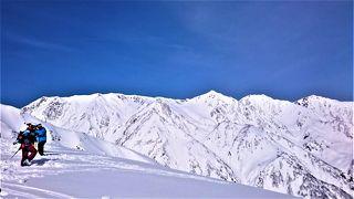 """2017年3月 主人の先輩と白馬八方尾根スキー場の白い小屋へ。""""blue&white""""の素晴らしい世界☆やっぱりスキーは楽しい♪"""