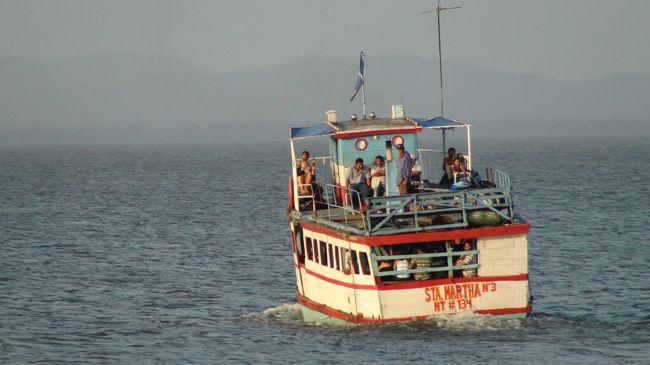 2020年9月1日のお題:ニカラグア。<br />中米を北から南へ移動中、クリスマスの日に立ち寄ったのが、オメテペ島。淡水湖に浮かぶ世界最大の島だそうです。<br />コスタリカのサン・ホルヘから船で約2時間。モヨガルパ着。首都マナグアのように特に危ない雰囲気も無く、まったり過ごすには、退屈な所でした。<br />