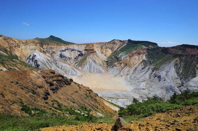 8月中旬に福島県の安達太良山に登ってきました。<br /><br />バスを利用して奥岳~沼尻コースを縦走。ここ最近は冬の雪山登山としてばかり訪れていたので、緑豊かな安達太良山が新鮮でした。<br /><br />迫力ある火山風景画素晴らしかったです!<br /><br />▼ブログ<br />https://bluesky.rash.jp/blog/hiking/adatarayama4.html