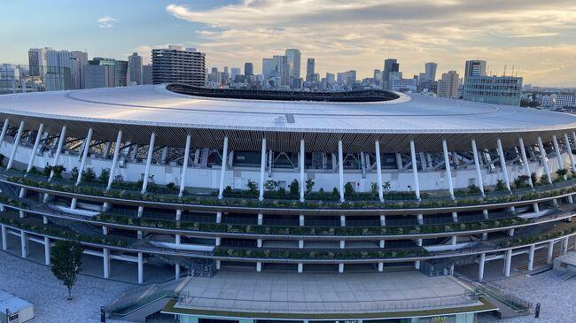 仕事で悶々としていた時に、<br />まだ東京都民割あったらホテルステイしたい!<br />という衝動に駆られていろいろと検索。<br />新国立競技場の前に新しく出来た<br />三井ガーデンホテル神宮外苑の杜プレミアム<br />がとっても素敵。<br />ただ東京都民割は2人からのプランのみ。<br />それでも、泊まりたくてBooking.comで検索。<br />東京都民割よりお得感はないけど<br />朝食付けて13,000円のプランがあり予約。<br /><br />金曜日に有休を取って1泊2日。<br />せっかくなので今まで縁のなかった<br />神宮外苑も少し散策して楽しんできました。